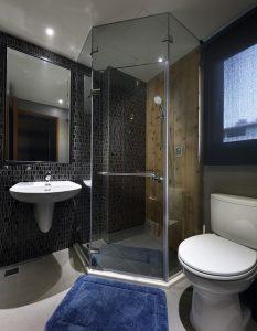 comment poser un receveur de douche aminautes. Black Bedroom Furniture Sets. Home Design Ideas